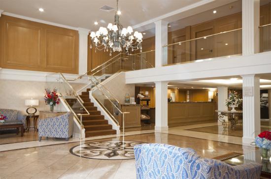 Biltmore Hotel & Suites: Lobby