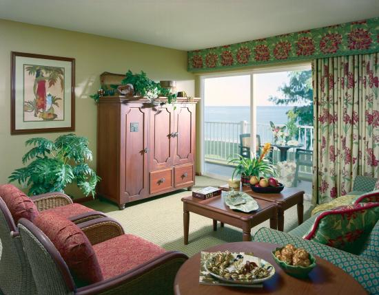 Kauai Coast Resort at the Beachboy: Suite Living Area