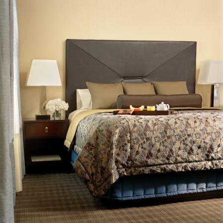 The Chase Park Plaza: Guest Room