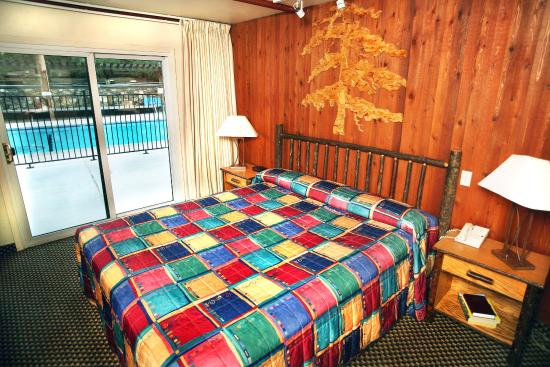 Lakeside Inn and Casino: Room