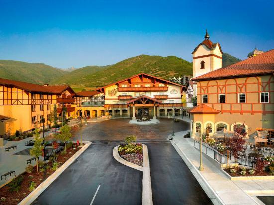 Zermatt Resort & Spa, A Trademark Collection Hotel : Sunrise Entry
