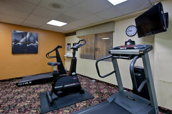 Country Inn & Suites By Carlson, Williamsburg East (Busch Gardens): CountryInn&Suite Williamsburg  FitnessRoom