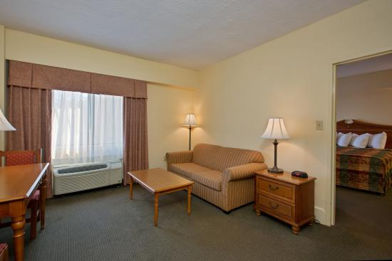 Country Inn & Suites By Carlson, Williamsburg East (Busch Gardens): CountryInn&Suite Williamsburg  KingSuite