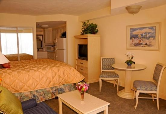 Daytona Beach Resort and Conference Center: King standard