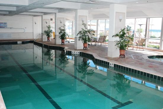 Daytona Beach Resort and Conference Center: Indoor heated pool