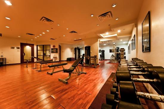 New World Makati Hotel: Gym
