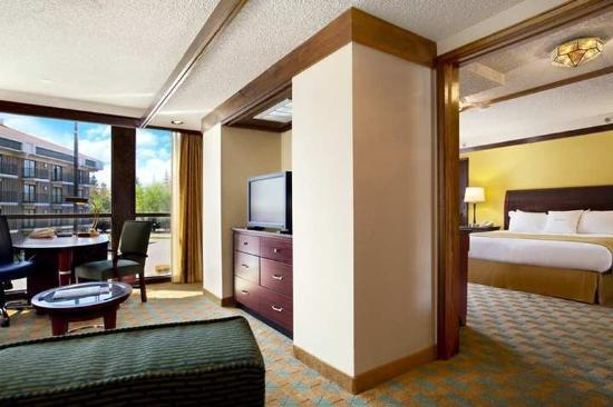 doubletree by hilton hotel sacramento 139 1 7 3. Black Bedroom Furniture Sets. Home Design Ideas