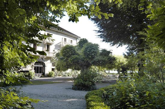 hotel abbaye de talloires private gardens of labbaye - Abbaye De Talloires Mariage