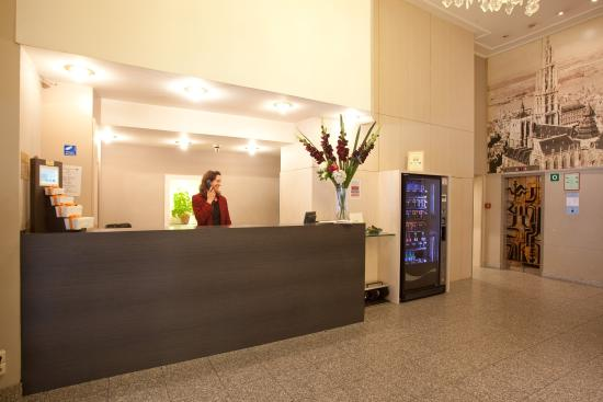 Century Hotel : Century HRLobby