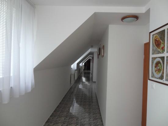 Rozsa Csarda - Hotel Huber: kopf einziehen