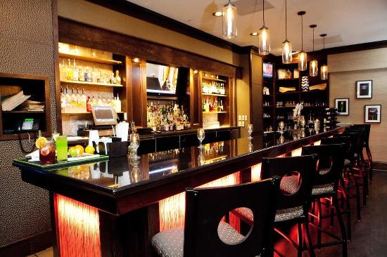 Hilton Greenville: Villedge Bar