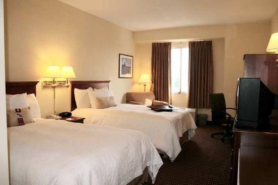 Hampton Inn Baltimore / Glen Burnie: Guest Room