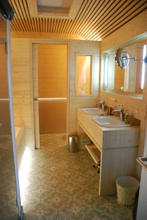 "Landhaus ""Loesch fur Freunde"": Das Badezimmer"