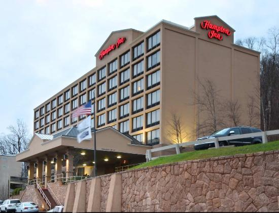 Hampton Inn White Plains / Tarrytown: Hotel Exterior