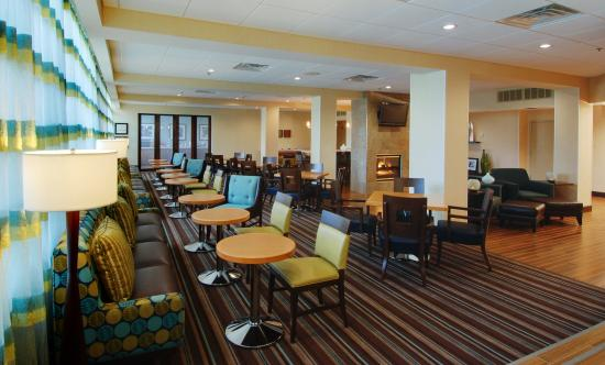 Hampton Inn White Plains / Tarrytown: Breakfast Seating