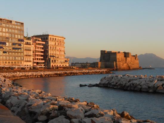 B&B La Bouganville: Bed and Breakfast Napoli Via Mergellina