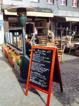 Le Bouchon d'Honfleur: La terrasse
