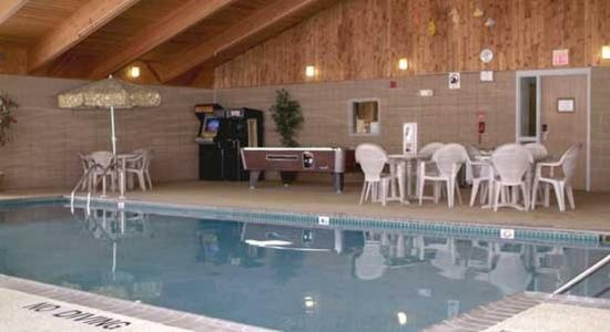 AmericInn Lodge & Suites Iron River: Updated Pool