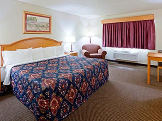 AmericInn Lodge & Suites Weston: King Standard
