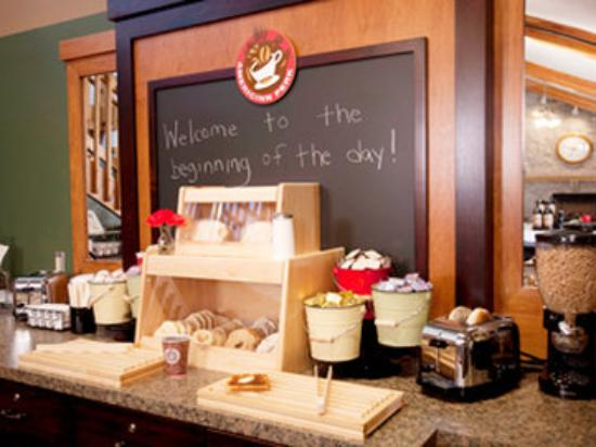 AmericInn Lodge & Suites Sartell: Americ Inn Sartell Breakfast