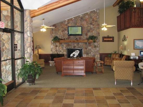 Borger Ambassador Inn: Lobby