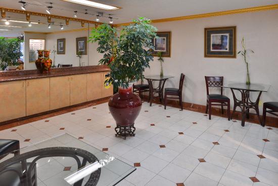 Americas Best Value Inn & Suites-Fontana: Dining Area