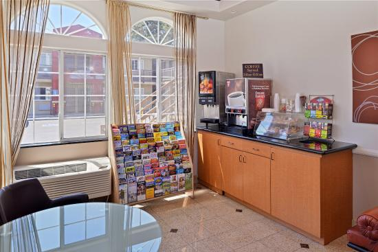 Americas Best Value Inn - Los Angeles / Hollywood: Breakfast Area