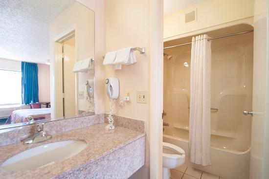 Red Roof Inn Hardeeville: Vanity