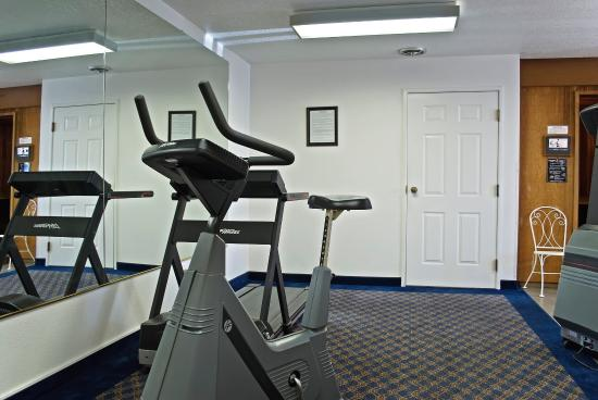 Super 8: Fitness Room
