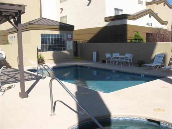 BEST WESTERN PLUS Gold Poppy Inn : Pool