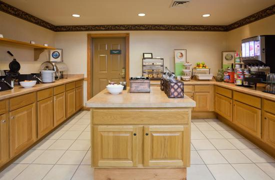 Country Inn & Suites By Carlson, Madison Southwest: CISMadison SWBreakfast