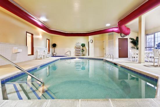 มันเตโน, อิลลินอยส์: CountryInn&Suites Manteno  Pool