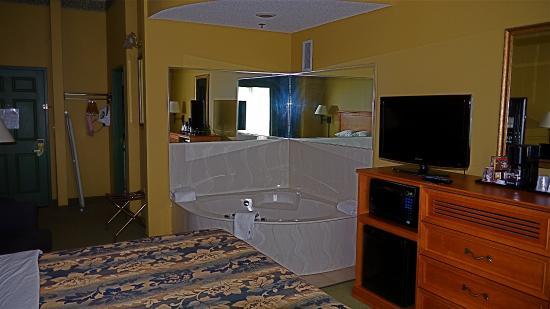 Holiday Inn Express St Paul S Inver Grove Hgts Studio Whirlpool