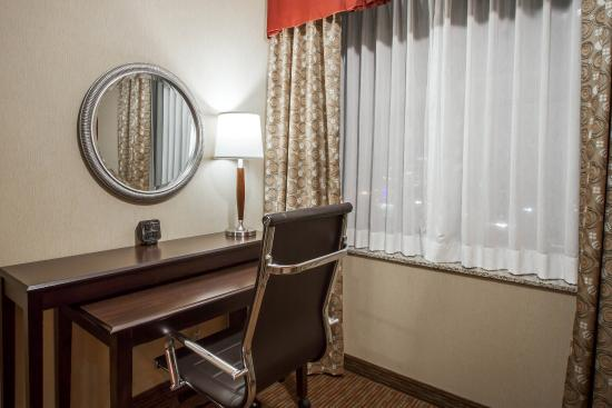 Holiday Inn Express & Suites Downtown Buffalo: Ny Snk