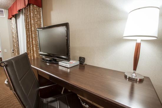 Holiday Inn Express & Suites Downtown Buffalo: Ny Snq