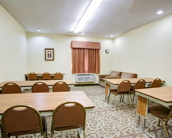 Comfort Suites: TXMtg Room
