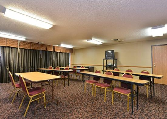 Comfort Suites: meeting room