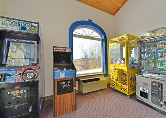Comfort Suites: game room