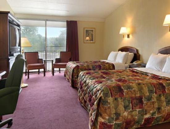 Days Inn Portage: Standard Two Queen Bed Room