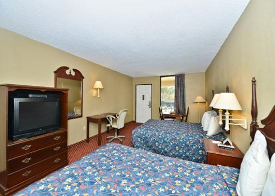 M Star Hotel Atmore: guest room