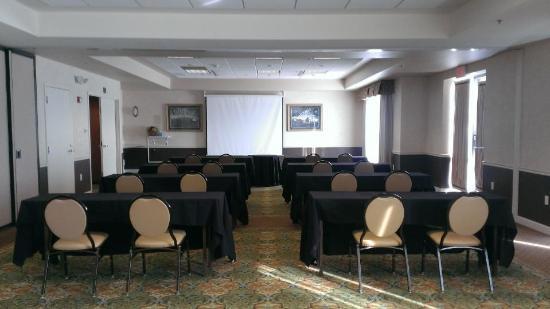 Hilton Garden Inn Green Bay: Meeting Room Rentals