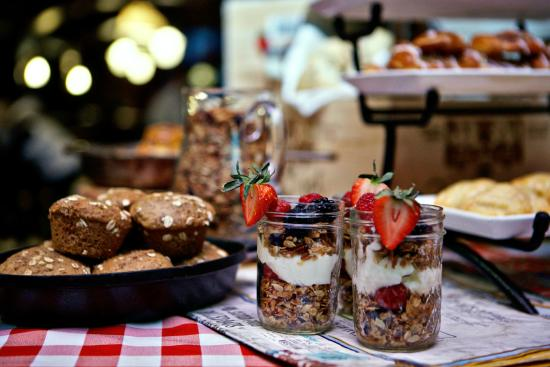 Arrabelle At Vail Square A Rockresort Breakfast Buffet Tavern On The