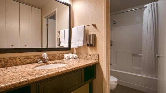 Best Western Yuba City Inn: Guest Bathroom