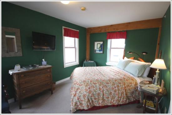 Maple Hill Farm Inn: Guest Room