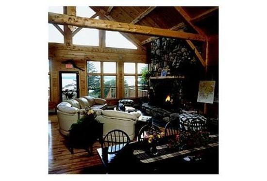 9th Wave Lodge: Interior