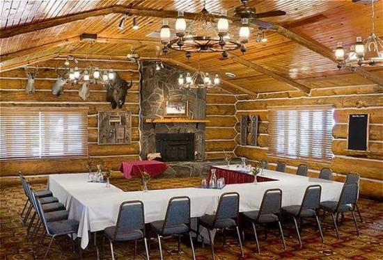 Blue Bell Lodge: White Buffalo Meeting Room