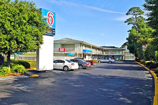 Motel 6 Charleston South: Miscellaneous