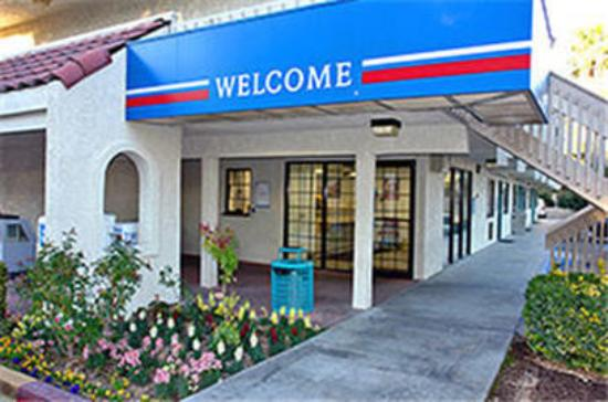 Photo of Motel 6 Barstow