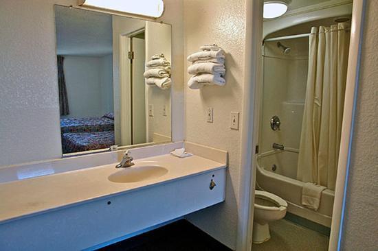 motel 6 huntsville madison updated 2017 prices. Black Bedroom Furniture Sets. Home Design Ideas