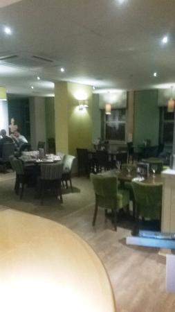 Premier Inn Stoke/Trentham Gardens Hotel: The busy restaurant (not)